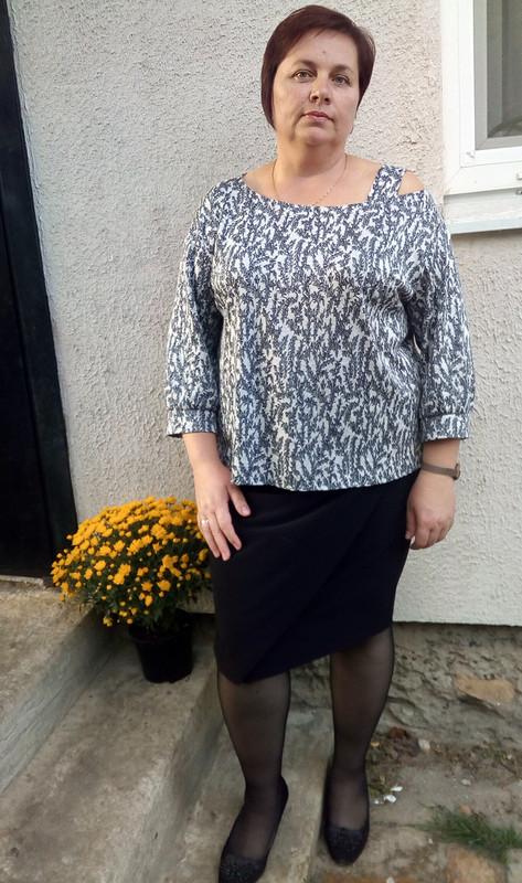 Блуза свырезом наодно плечо от Elenka-Elenka