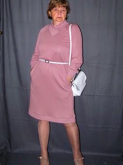 Работа с названием Платье-пуловер для жилетосарафана...
