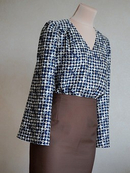 Работа с названием Блуза из натурального шёлка