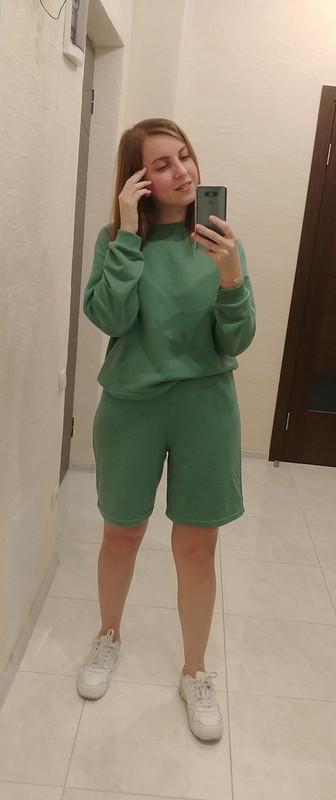 Инстаграммный костюм: пуловер ишорты