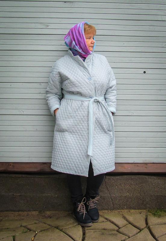 Пальто с...манишкой...