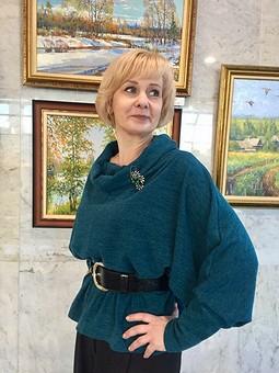 Работа с названием Пуловер в модном зелёном