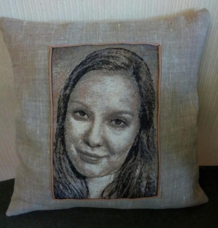Машинная вышивка «Портреты пофото»