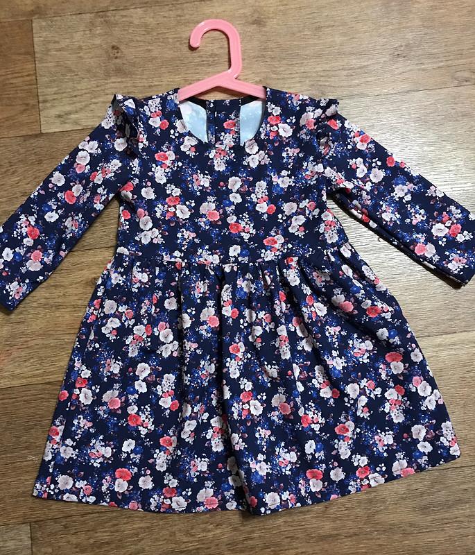 Детское платье скрылышками