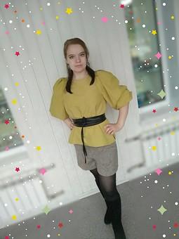 Работа с названием Фисташковая блуза