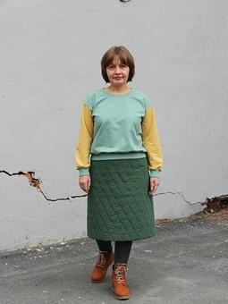 Работа с названием Уютный комплект: юбка и свитшот