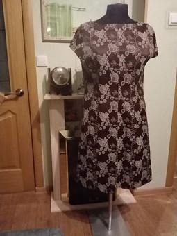 Работа с названием Цветочное платье с французской вытачкой
