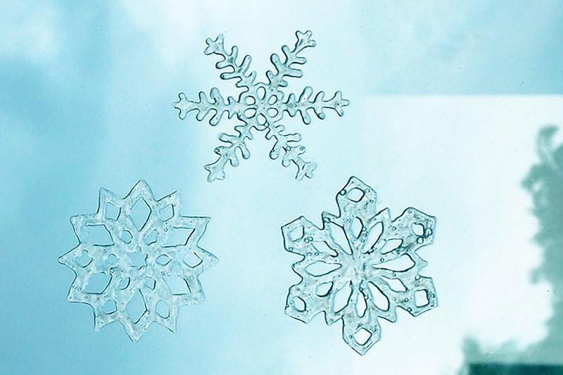 Новогодний декор: как украсить окно — 10 необычных идей синструкциями