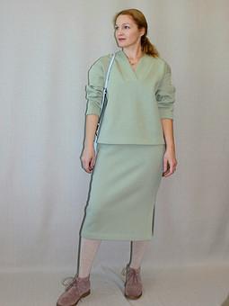 Работа с названием Зимний костюм: юбка и пуловер
