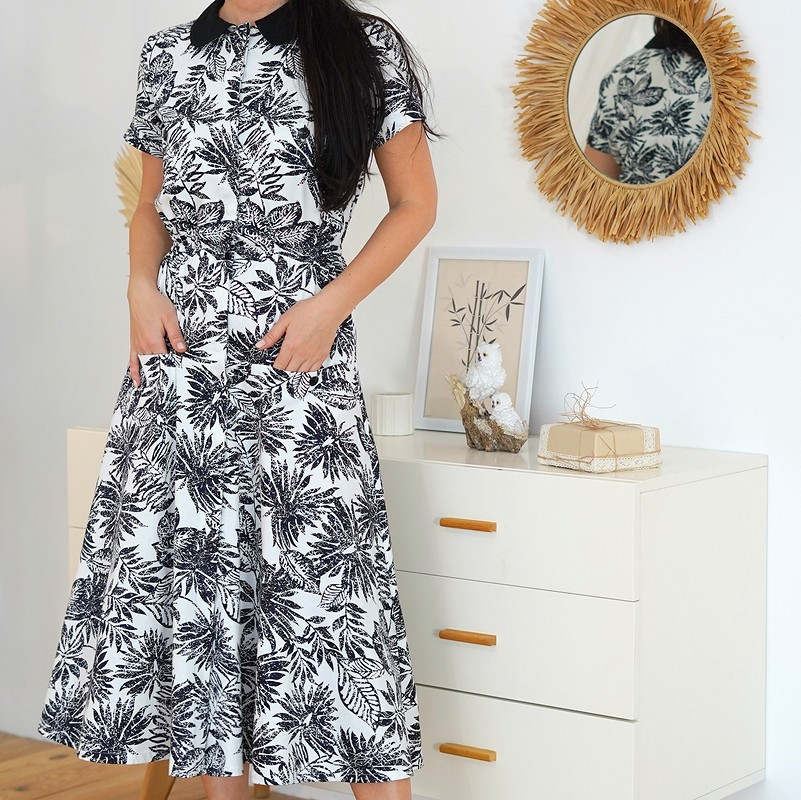 ♡ Платье сакцентным воротничком ♡