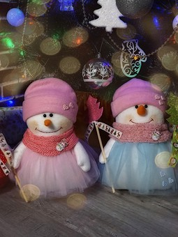 Работа с названием Банда снеговиков из флиса