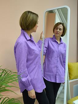 Работа с названием Сиреневая блузка