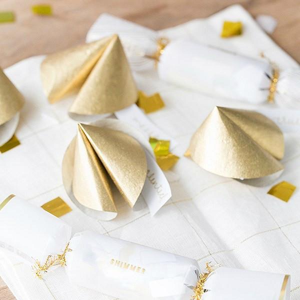 Идея дляновогодней ночи: бумажное печенье спредсказаниями