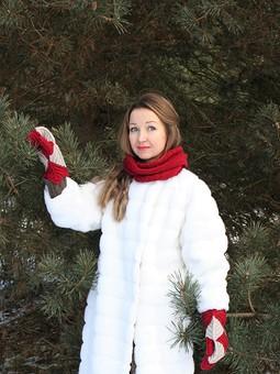 Работа с названием Белая шуба (или я - снеговик)
