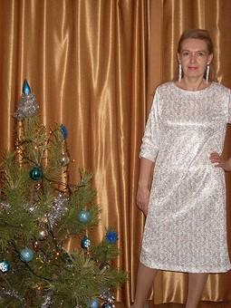 Работа с названием Платье для встречи Нового года