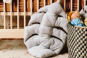 Идея: подушка в виде большого листа монстеры