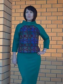 Работа с названием Костюм: пуловер и юбка