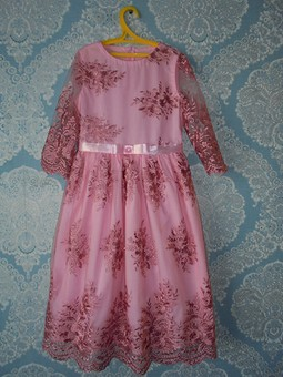 Работа с названием Нарядное платье для внучки