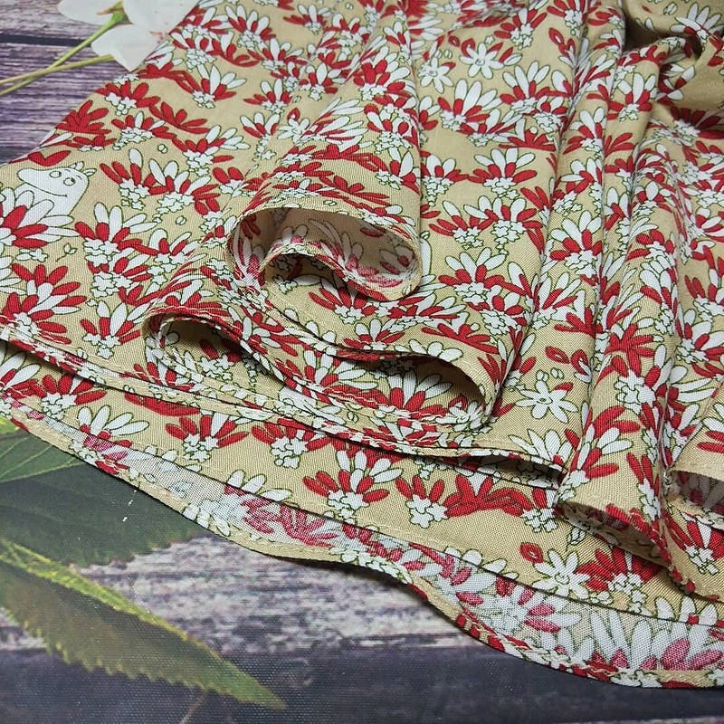 Платье сзастроченными складками