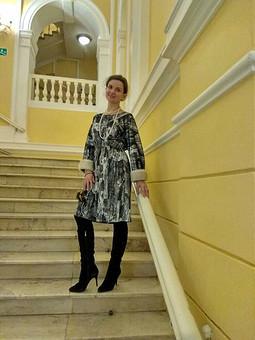 Работа с названием Зимнее нарядное платье из бархата и норки