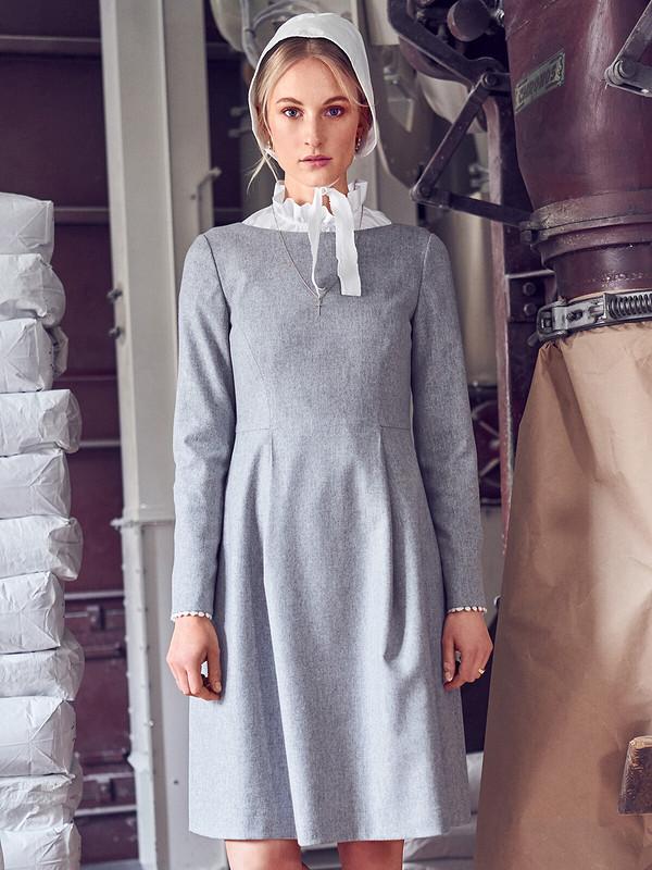 Платье свырезом-лодочкой №109 B — выкройка изBurda 10/201 от Швеюшка