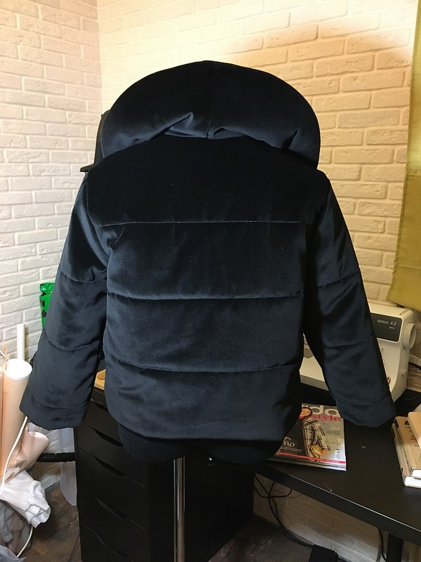 Бархатная куртка длямамы от Izarishe