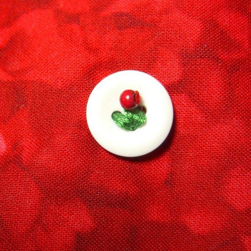 Идея: вышивка как украшение пуговиц — 3 варианта