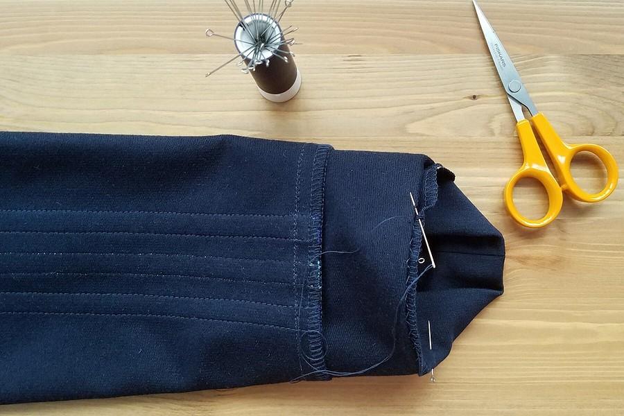 Как оформить низ рукава втрикотажном изделии: 3 варианта обработки