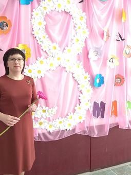Работа с названием Платье на 8 марта, или Как я осваивала инстаграм