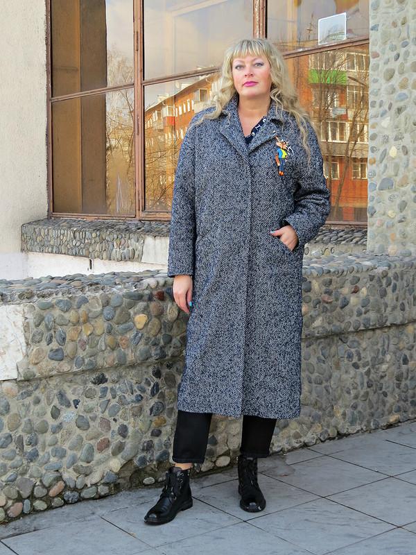 Пальто сприветом (**,)