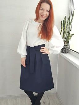 Работа с названием Джинсовая юбка с поясом