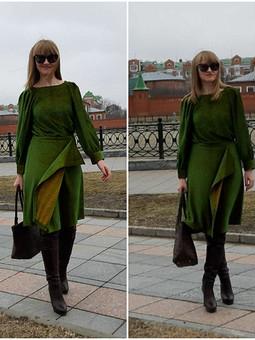 Работа с названием Зелёный комплект: блузка и юбка