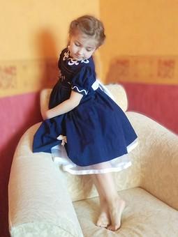 Работа с названием Платье торжественное по сути, повседневное по ткани