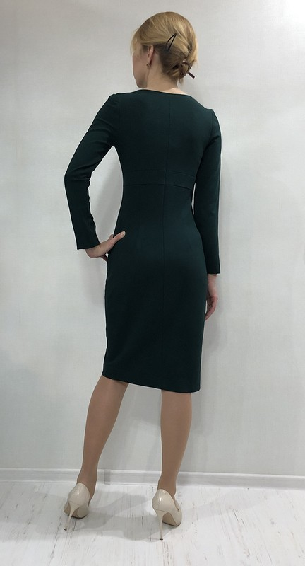 Зеленое платье от Лейкоцит