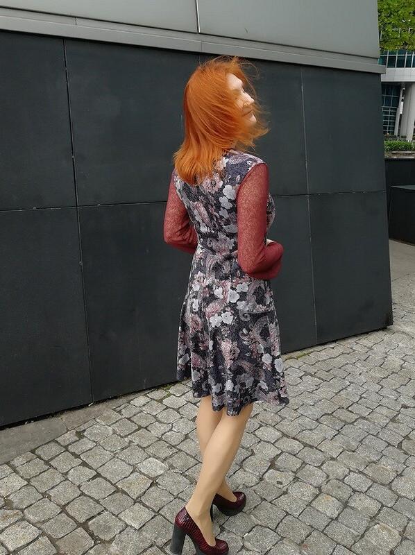 Платье срукавами изсетки