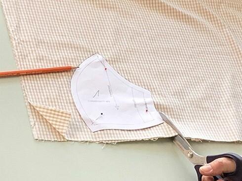 Как сшить медицинскую маску своими руками: 3 мастер-класса + шаблоны