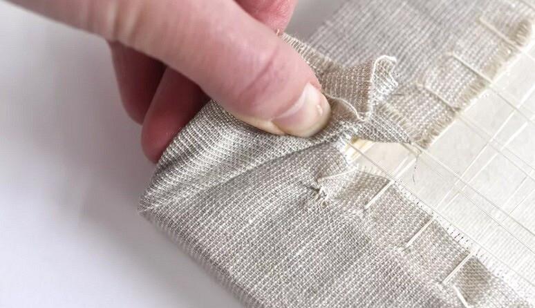 Как натянуть вышивку наподрамник