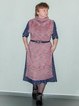 Работа с названием Платье-жилет...спицами...