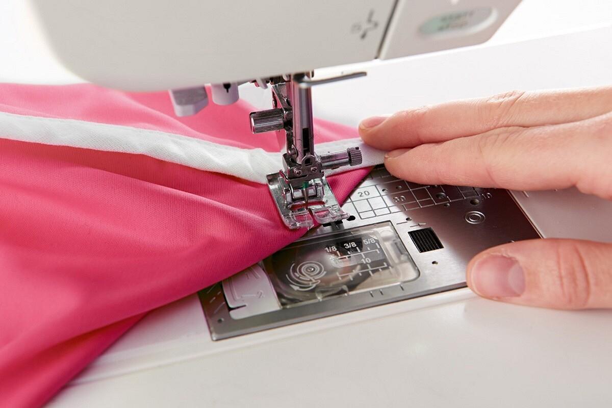 Микс цвета ифактур: шьём вместительную сумку изподручных материалов