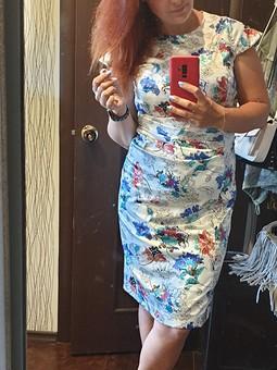 Работа с названием Забытое платье