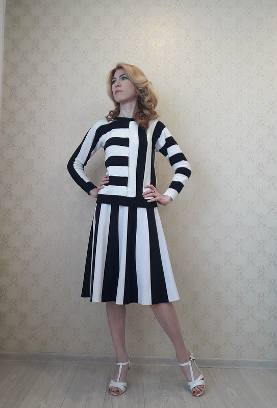 Пуловер «Полоска черная, полоска белая»