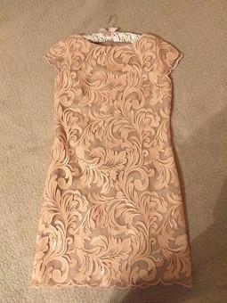Работа с названием Еще одно кружевное платье