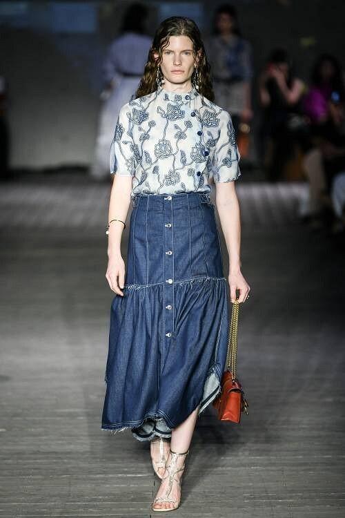 Тренд весна-лето 2020 — джинсовая юбка: 4 модных варианта