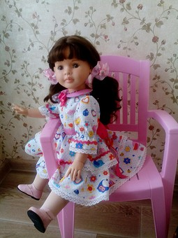 Работа с названием Наряды для кукол