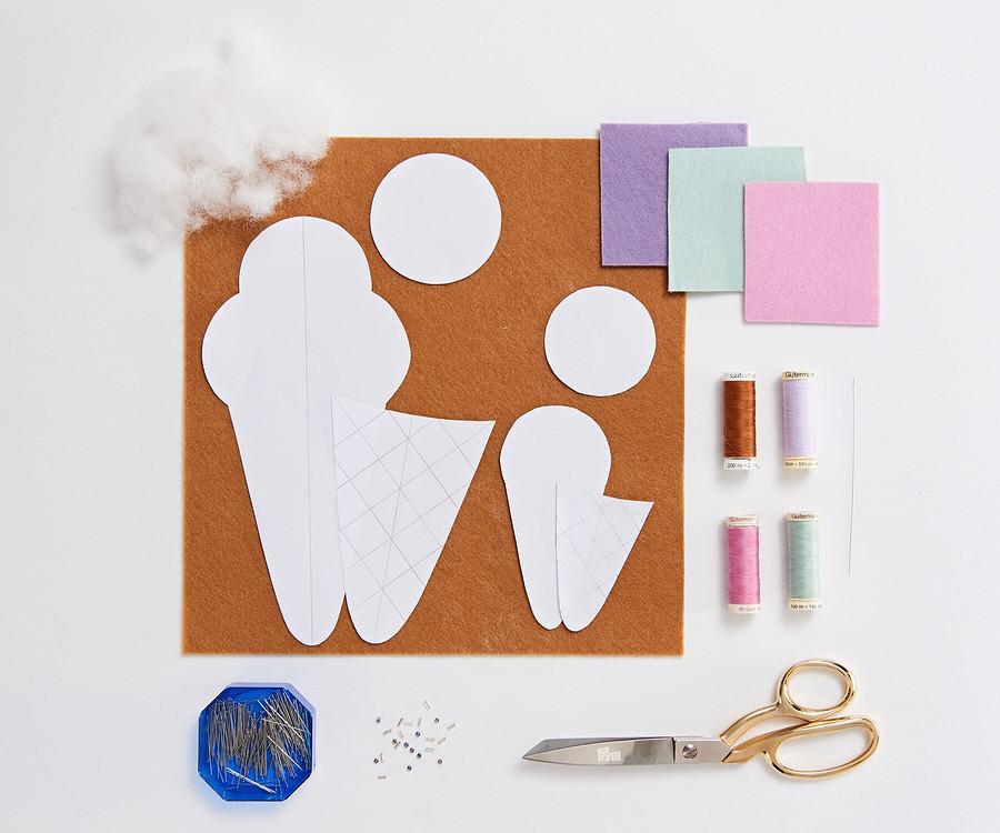 Мини-формат: чехол-мороженое длямаленьких ножниц