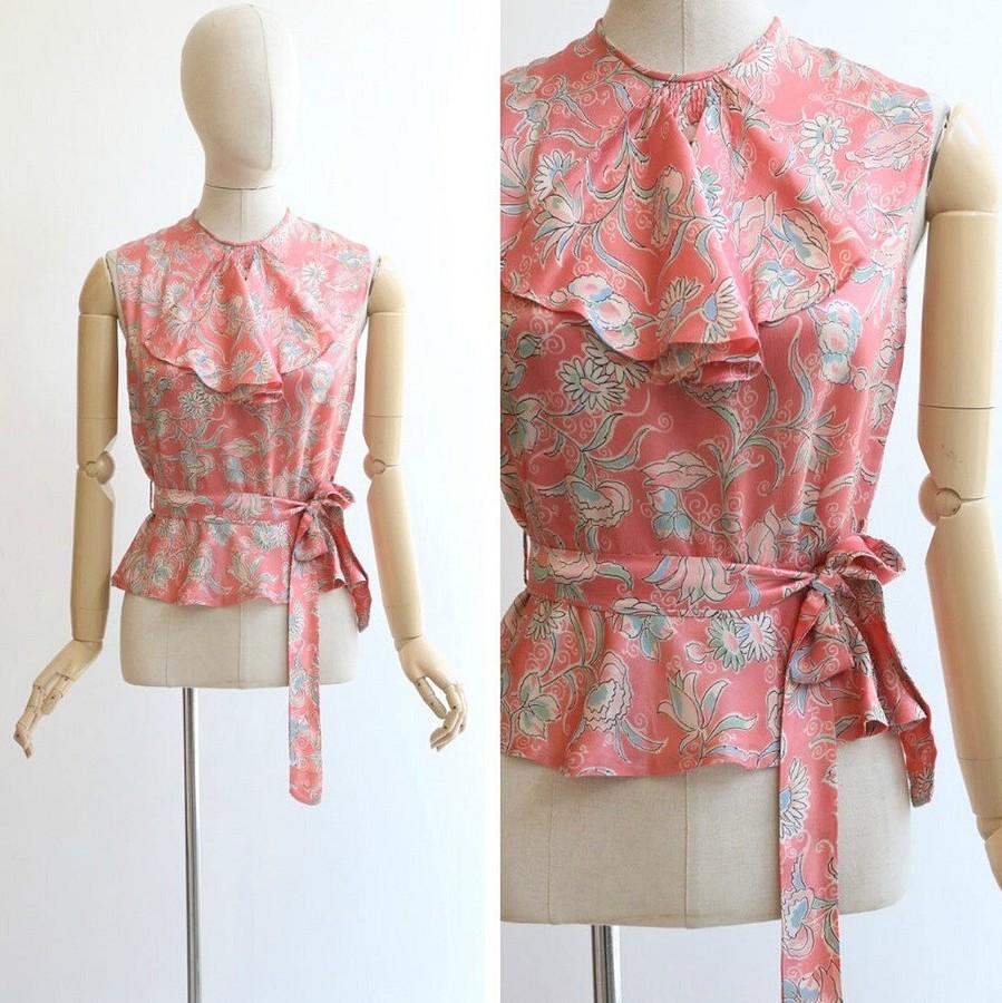 5 очаровательных блузок из1930-х, которые актуальны исегодня