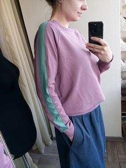 Работа с названием Трикотажный пуловер