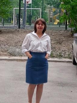 Работа с названием Джинсовая юбка + белая рубашка