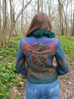 Работа с названием Дракон веcеннего леса и джинсовая юбка