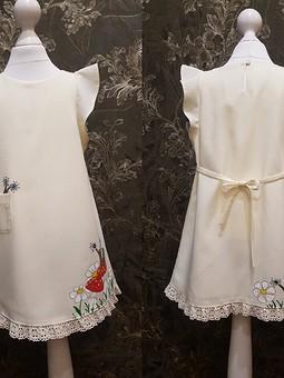 Работа с названием Платье с ручной росписью